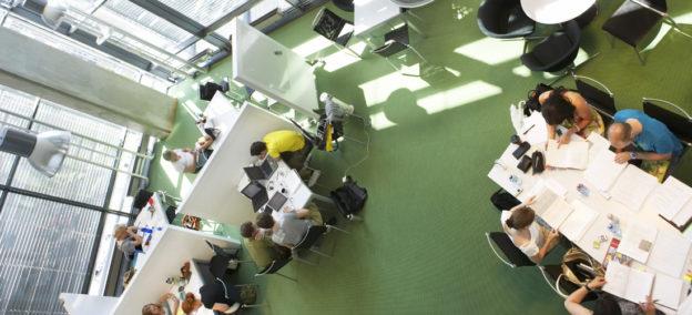 studentbudsjett BI - Norwegian School of Management, Nydalen in Oslo. Modern design.